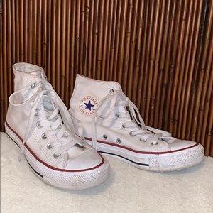 Converse Chuck Taylors white high top